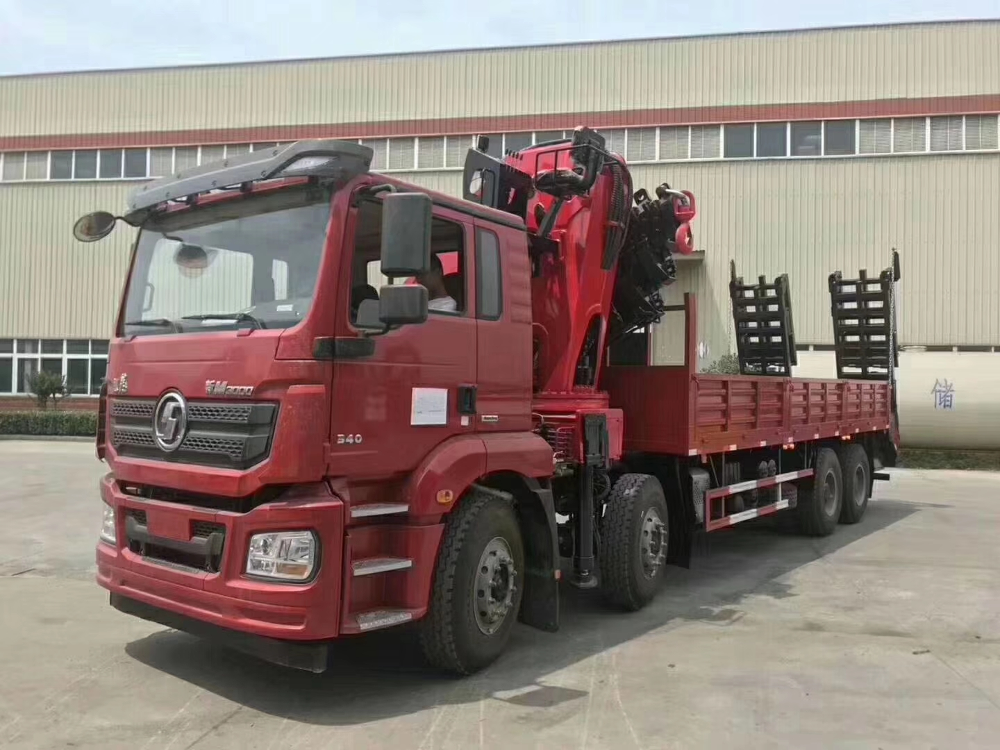 Shacman brand 8*4 30tons knuckle truck wi